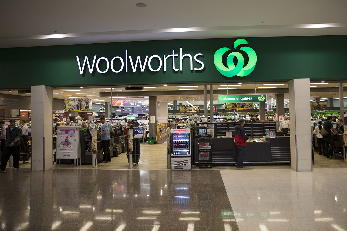 woolworths objectives Woolworths may consider to expand its overseas market as a second marketing objective since some oversea market has a great demand for daily use high quality product, woolworths has an advantage entering into a new market with its good reputation in the industry.