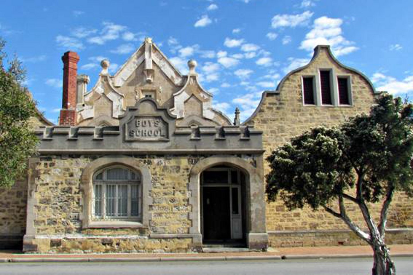 Historic freo home for dadaa business news for Landscape architecture courses perth