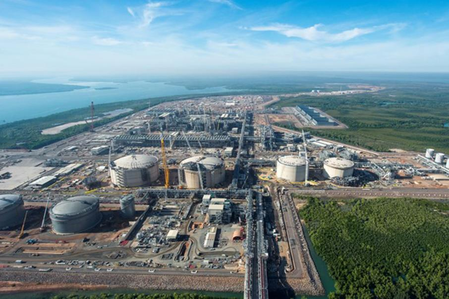 Laing takes 800 workers off Ichthys